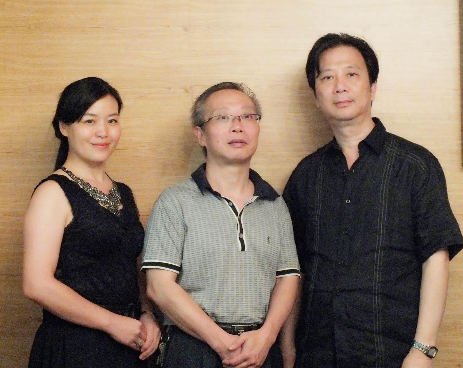 肖艳华会长拜见我会名誉会长叶松荣教授